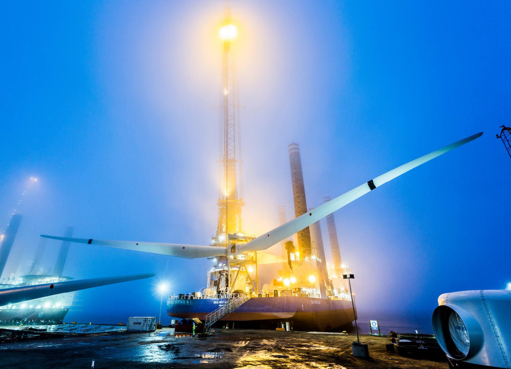 Construcción, transporte e instalación de un aerogenerador
