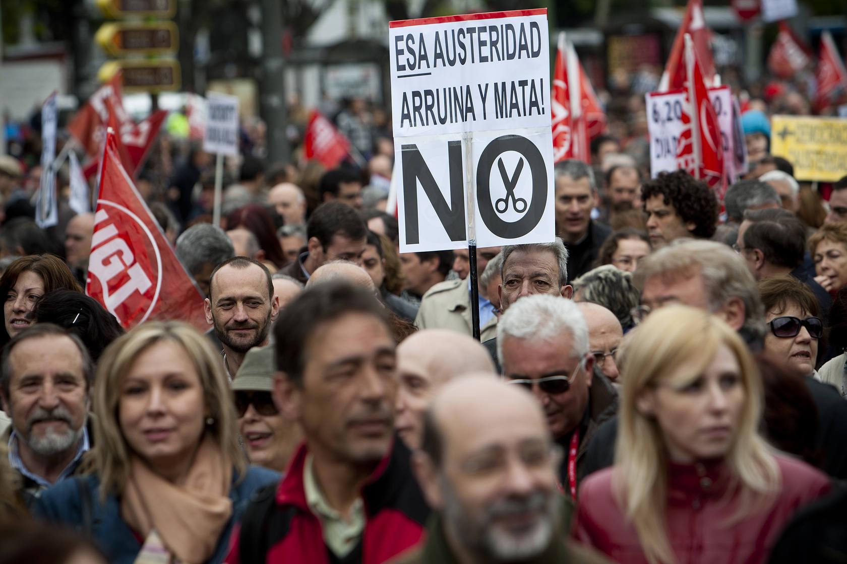 Los sindicatos marchan por Madrid por un pacto nacional