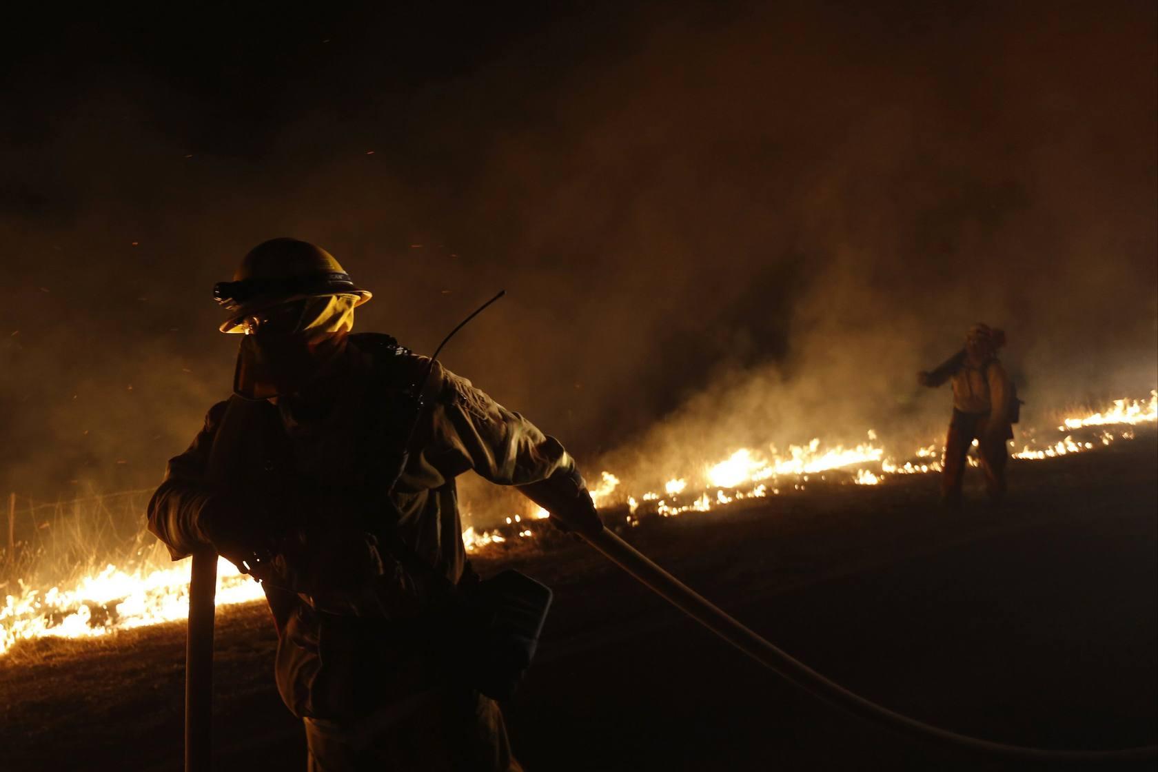 El fuego avanza en California